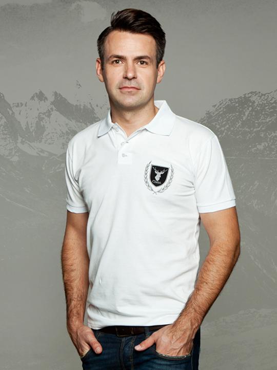 Chalet Poloshirt weiß. Sportlich elegantes Piqué-Poloshirt mit Applikation
