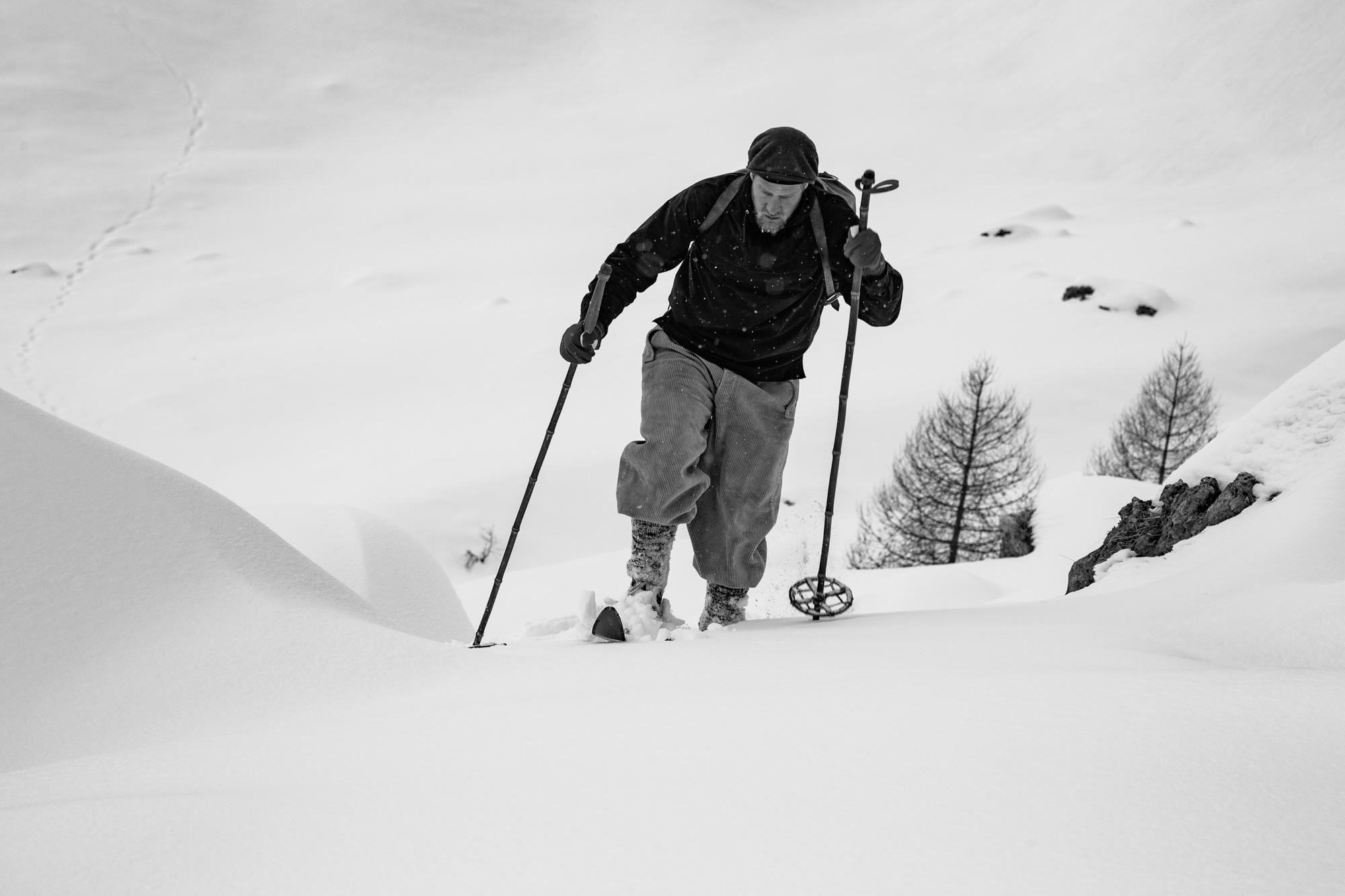 Zitat: Arnold Kaech, Lichtgestalt aus der Pionierzeit des alpinen Skisportes und Mitglied des Schweizerischen Akademischen Ski Club (SAS). // (Aus: Kaech Arnold, Die nächsten 25 Jahre, in: Der Schneehase Nr. 20, 1948–1950, zitiert nach Max D. Amstutz, Die Anfänge des alpinen Skirennsports, AS Verlag & Buchkonzept AG, Zürich 2010, S. 94) © Foto: Franz Walter