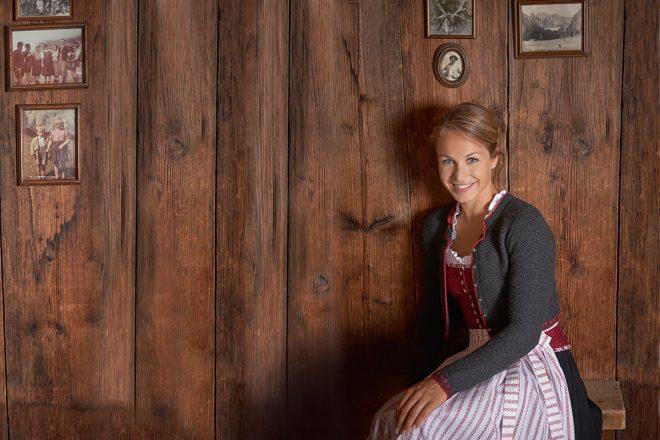 Interview mit Magdalena Neuner. Magdalena Neuner. Magdalena Neuner stand mit vier Jahren erstmals auf Alpinski. Mit neun wechselte sie zum Biathlon. Als sie im März 2012 ihre aktive Karriere beendete, war sie unter anderem zwölfmalige Weltmeisterin, Doppel-Olympiasiegerin in Vancouver und dreifache Sportlerin des Jahres.