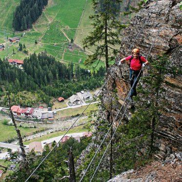 Klettersteig-Tourentipp Nase Nasenwand. Auf den beiden Seilbrücken hat man das Schwierigste schon hinter sich gebracht!