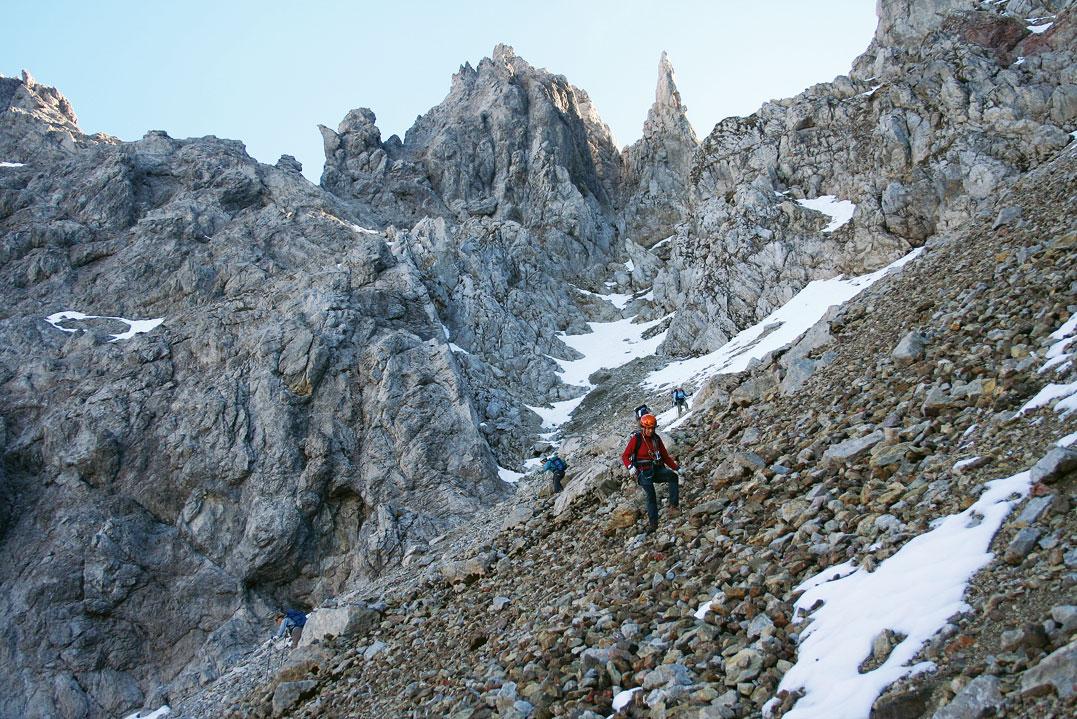 Klettersteig-Tourentipp Sulakopf. Abstieg von der Neyrerscharte nach Norden