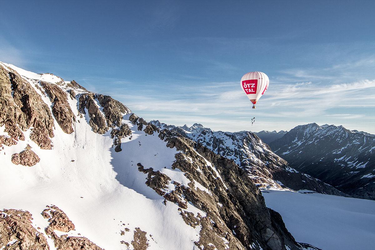 "Balloonskiing Heimschnee. ""Balloonskiing ist ein riesiges Abenteuer."", Andreas Gumpenberger, Freerider"