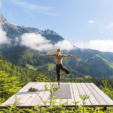 Yoga – Lotus in den Alpen. Mama Thresl