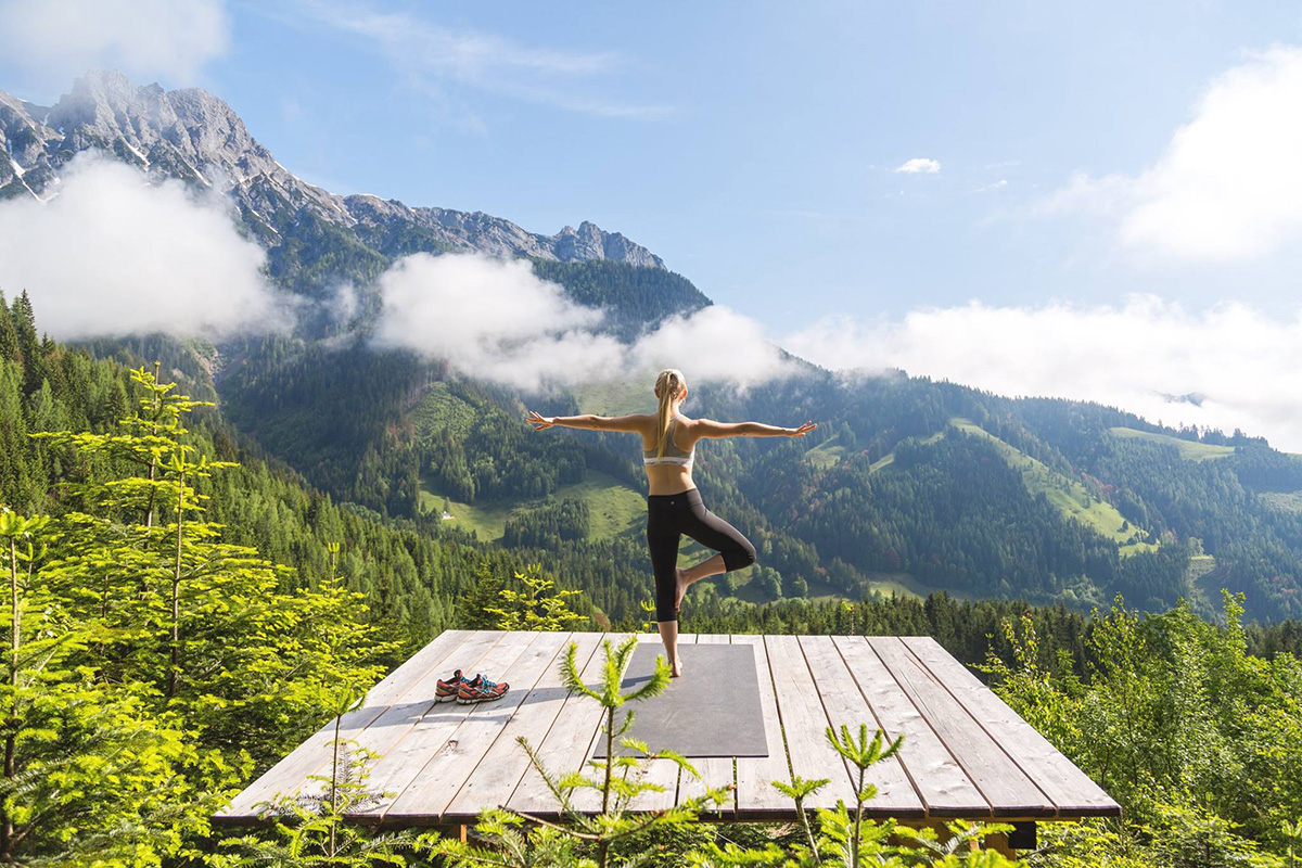 Yoga – Lotus in den Alpen. Mama Thresl