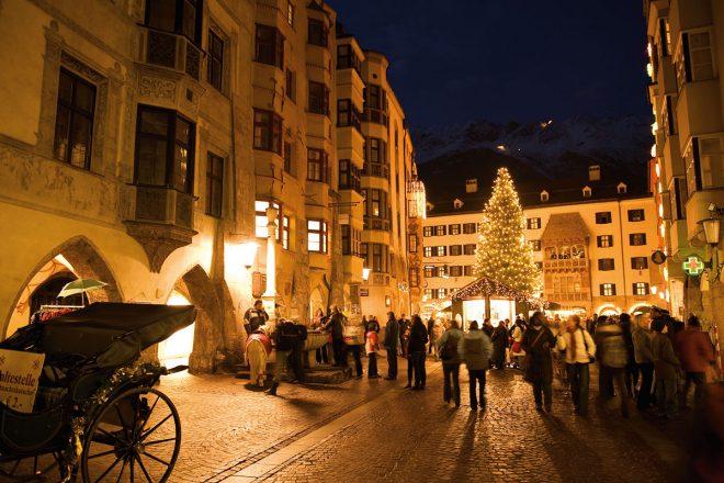 Acht der schönsten Adventmärkte in Tirol. Innsbruck: Bergweihnacht in der Stadt