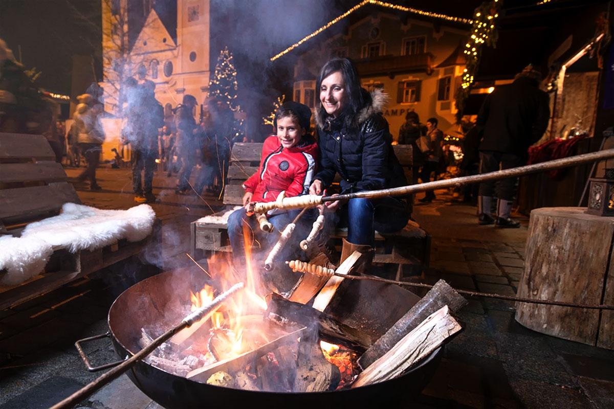 Acht der schönsten Adventmärkte in Tirol. St. Johann in Tirol: Kulinarischer Advent