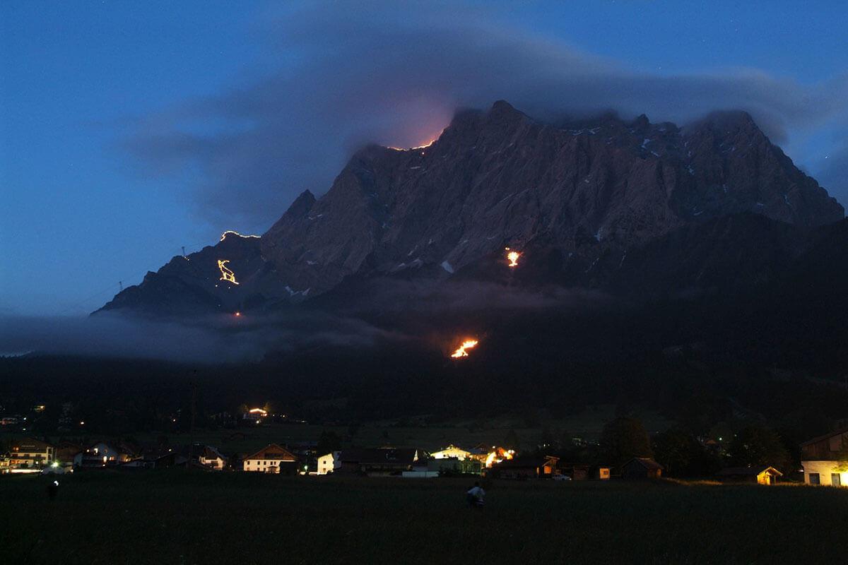 Berge in Flammen – Herz-Jesu-Feuer