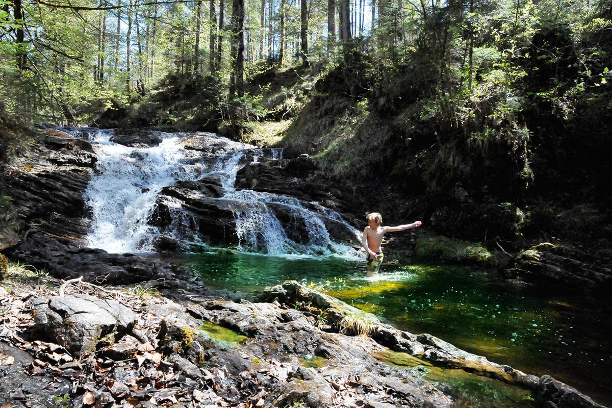 Eschenlaine Wasserfall. Die fünf schönsten Gumpen der Alpen zum Abtauchen