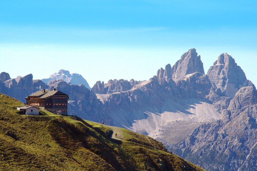 Über Berg und Tal – Weitwandern in Osttirol. Sillianer Hütte am Karnischen Höhenweg