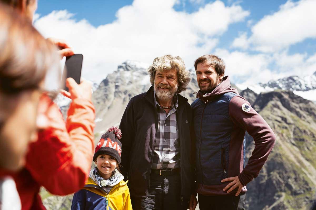 Alpensafari. Tour mit der Bergsteiger-Legende. In Sulden nimmt uns Reinhold Messner ein Stück mit