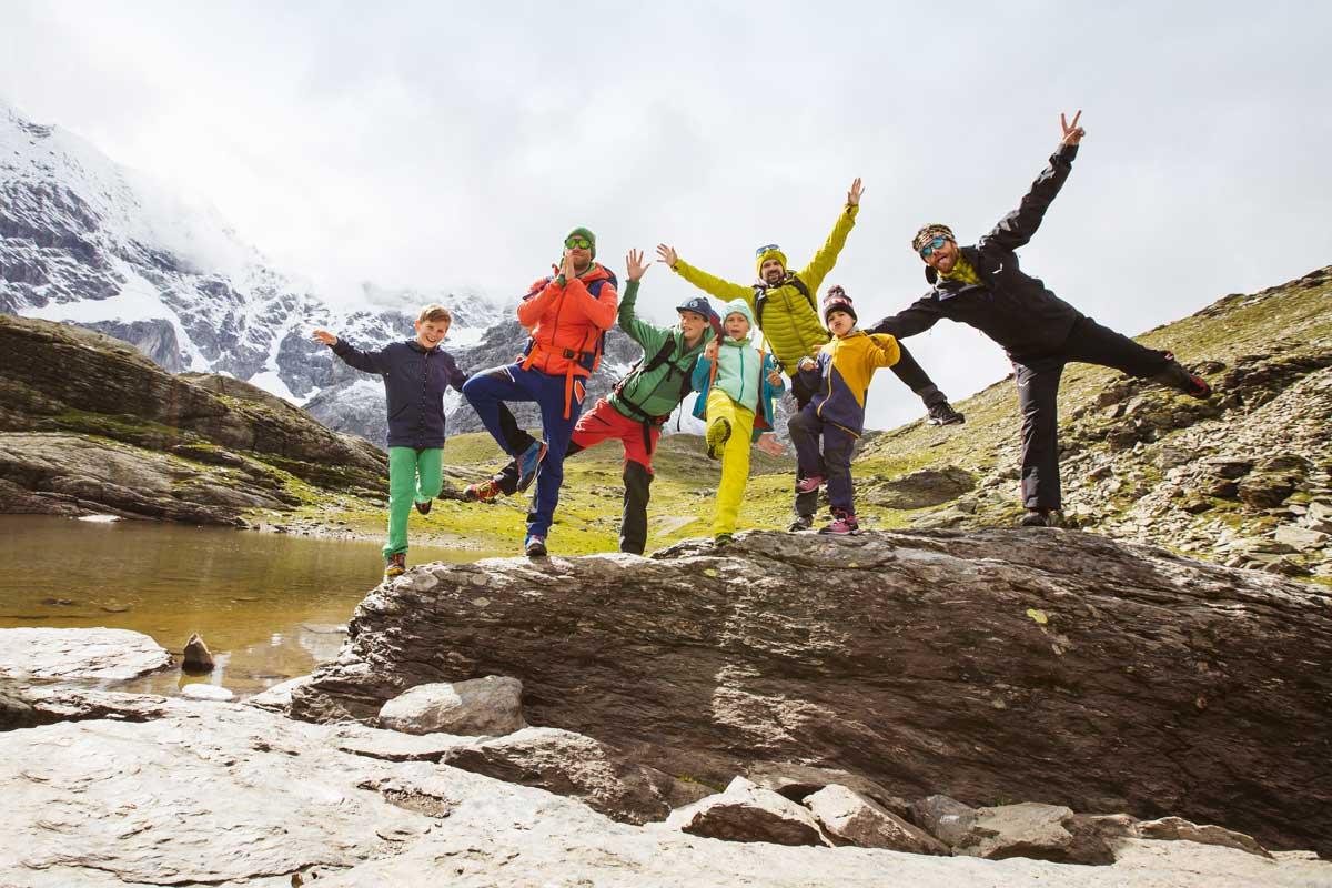 Alpensafari – Mit Kindern? Leicht! Die drei Patchwork-Daddys Andreas, Marc und Sebastian mit ihren Kids Moritz, Luca, Marie und Leni