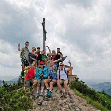 ALPS Bergworkshop – Tage im Glück. Am Ziel: Die erste Wanderung ging auf den Breitenberg (1.838 m) mit Einkehr in die Ostlerhütte
