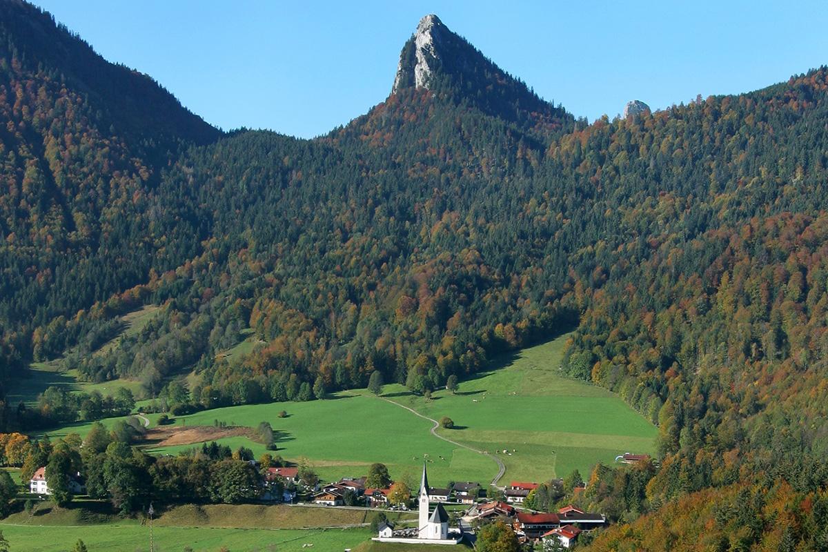 Bergsteigerdörfer ohne Grenzen. Kreuth: das zukünftige Bergsteigerdorf südlich des Tegernsees