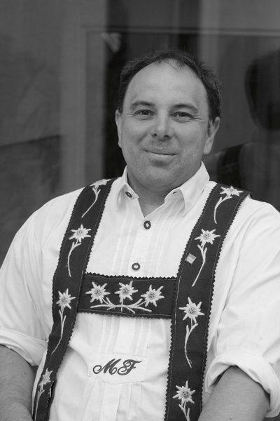 """Servus Alpenplan. """"Hände weg vom Alpenplan"""", fordert Michael Finger, Vorsitzender der Ortsgruppe Oberstdorf des BUND Naturschutz"""