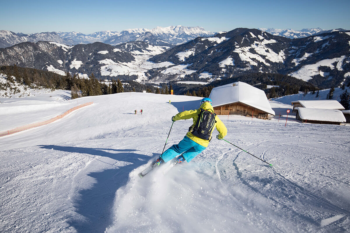 Skifahren für Wiedereinsteiger – Hauptsache, der Spass kehrt zurück. Thalerkogl Abfahrt am Schatzberg Auffach. Gemütlich sind im Alpbachtal nicht nur die Dörfer, sondern auch die Pisten, auf denen Wiedereinsteiger Mut tanken können.