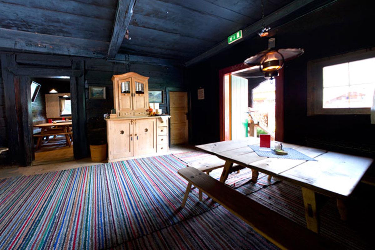 Tiroler Stube – Heimeliges unterm Hergottswinkel Wirtshaus Griena