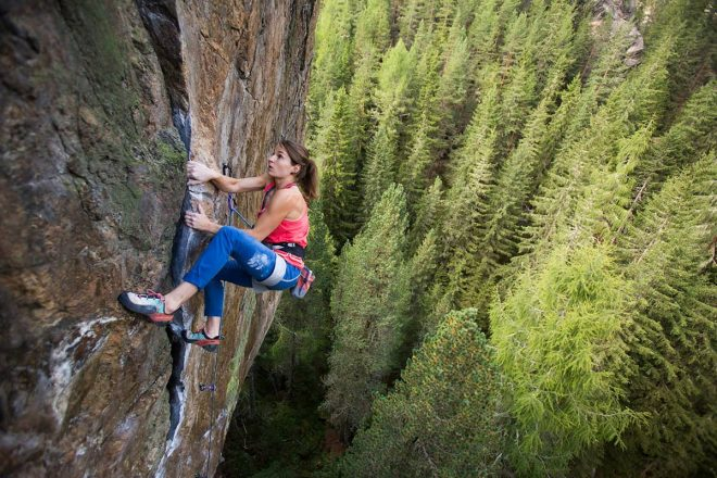 Fünf Tiroler Aktive, die ohne Bewegung in der Natur nicht leben können. Kletterprofi Barbara Zangerl war anfangs überrascht von den vielen Sportklettermöglichkeiten, die es in Tirol in allen Schwierigkeitsgraden gibt.