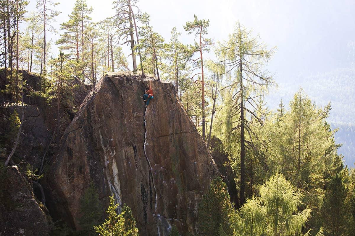 Fünf Tiroler Aktive, die ohne Bewegung in der Natur nicht leben können. Auf dem Ötztaler Sonnenplateau Niderthai befindet sich die Lieblings-Kletterroute von Barbara Zangerl: Le Miracle.