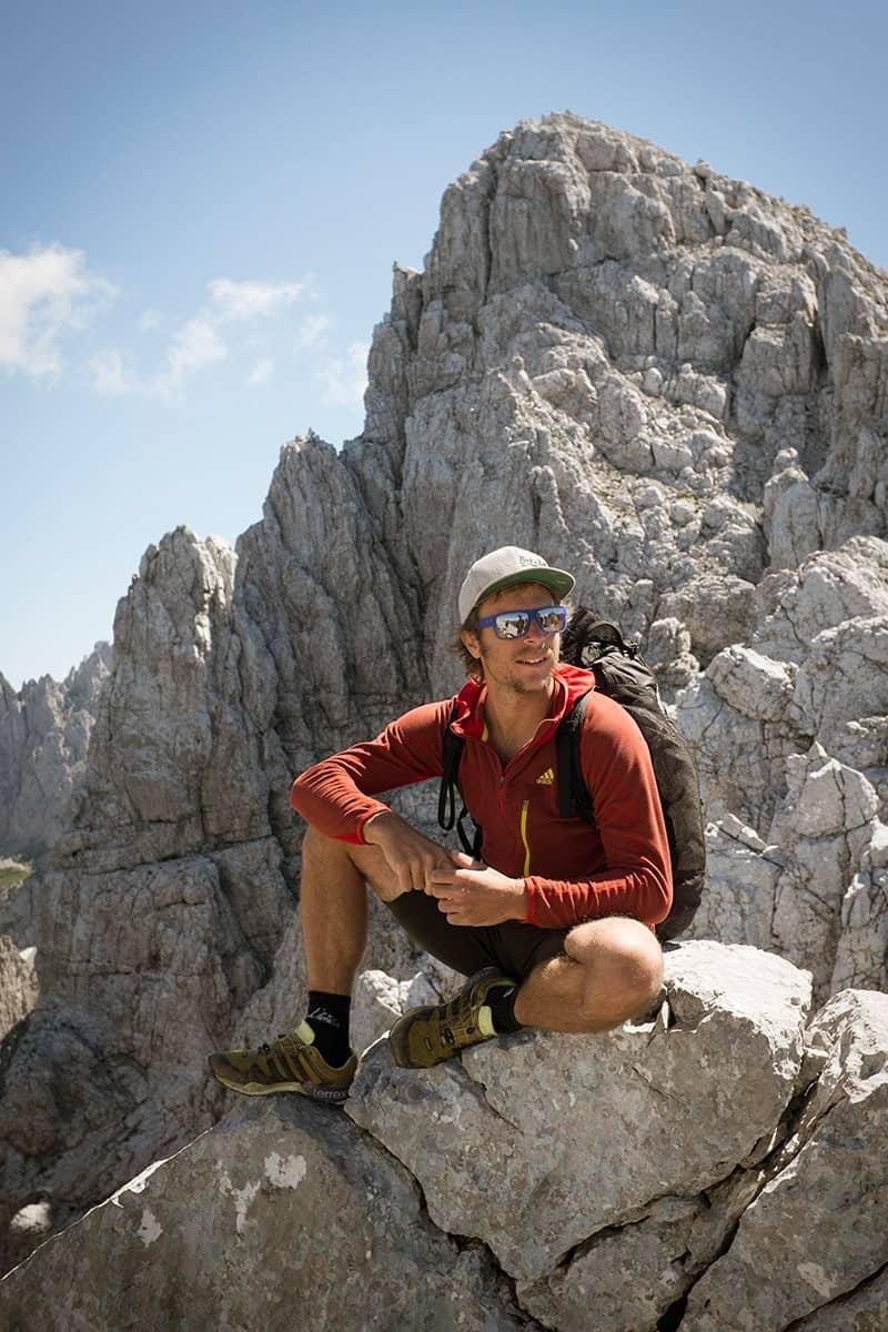 Fünf Tiroler Aktive, die ohne Bewegung in der Natur nicht leben können. Für Extremkletterer Guido Unterwurzacher ist der Wilde Kaiser nicht nur seine Heimat sondern auch eine Mischung aus Spielplatz und Labyrinth.