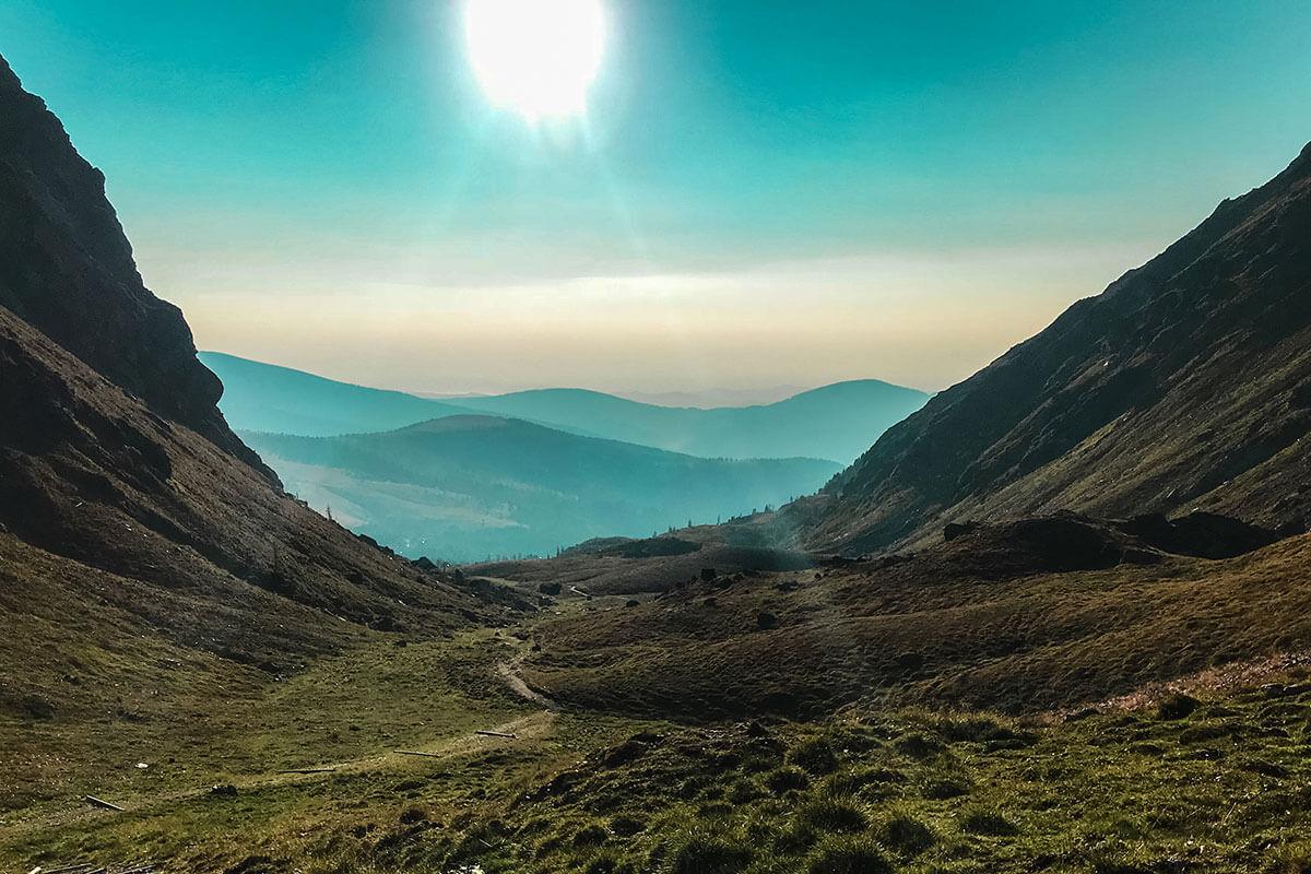 Ein wunderschöner Sonnenaufgang in den Nockbergen. Nockberge Osttirol Falkert Sonntagstal