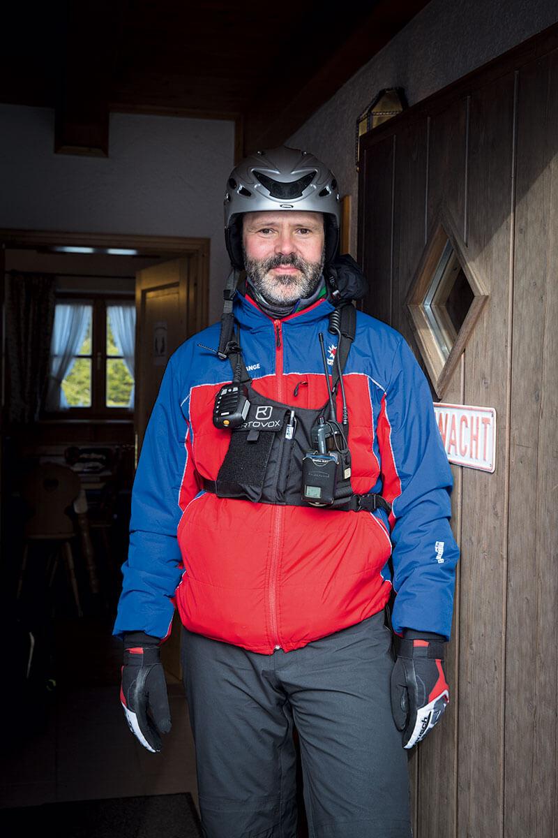 Mit Leidenschaft dabei: Peter Skarp ist seit fünf Jahren im Team der Bergwacht Hausham