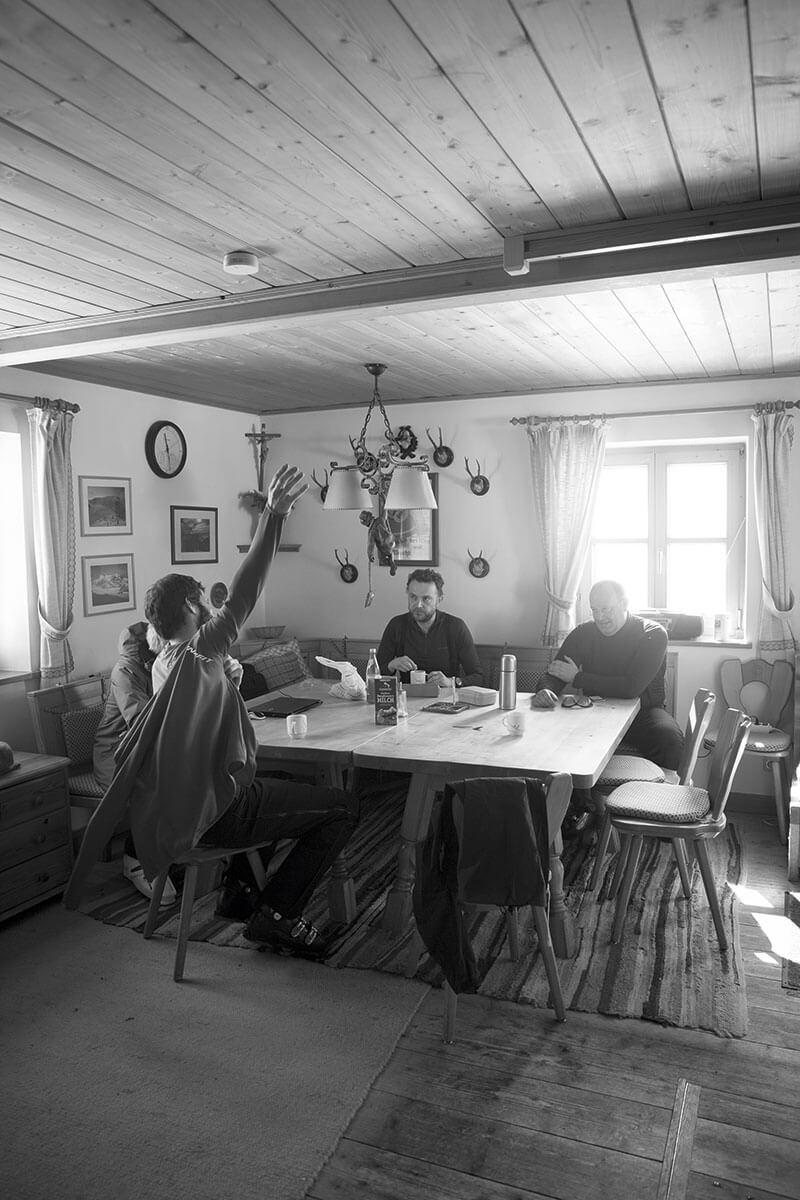 Enge Freunde: Gemeinsame Tage auf der Berghütte schweißen zusammen