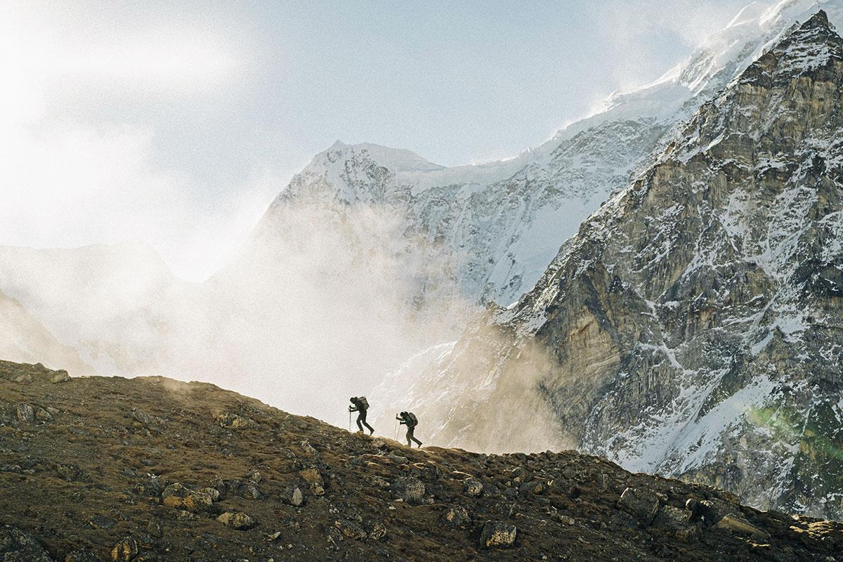 Teamarbeit: Mit Alex Blümel gelingt Auer die erste Begehung der Nordwand am Gimmigela Ost