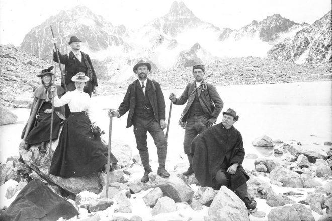 Auf der Hochebene. Mitglieder der Sektion Tübingen bei einem Ausflug in die Alpen, Aufnahme Eugen Albrecht, um 1900. Archiv DAV