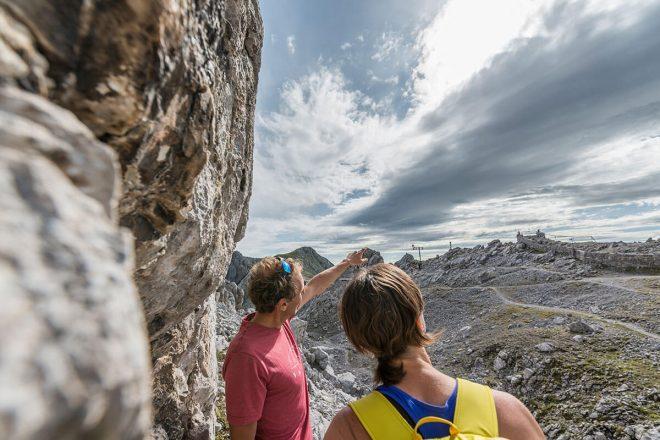 Der Österreichische Alpenverein gibt Empfehlungen für einen sicheren Saisonstart und macht auf mögliche Gefahren aufmerksam