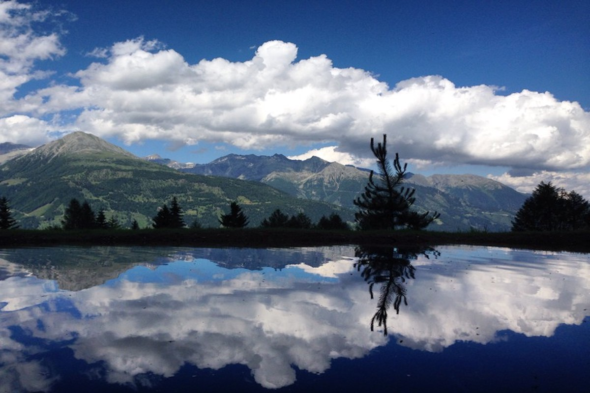 Der Blick vom Bergchalet Moseralm lädt zum Verweilen ein.