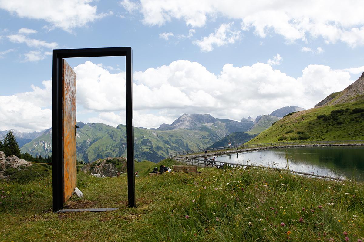 Lech Zürs Kunstprojekt Türen
