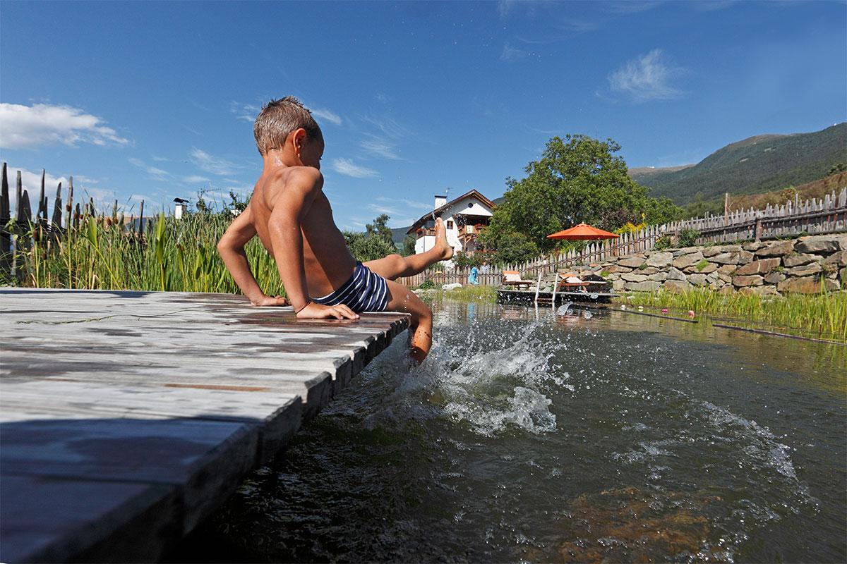 Schwimmteich auf den Südtiroler Bauernhöfen