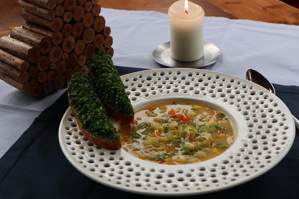 Suppe mit osttiroler Kartoffeln