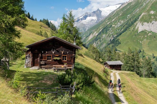 Mit dem Rückenwind des E-Bike auf die Sonnenseite der Alpen