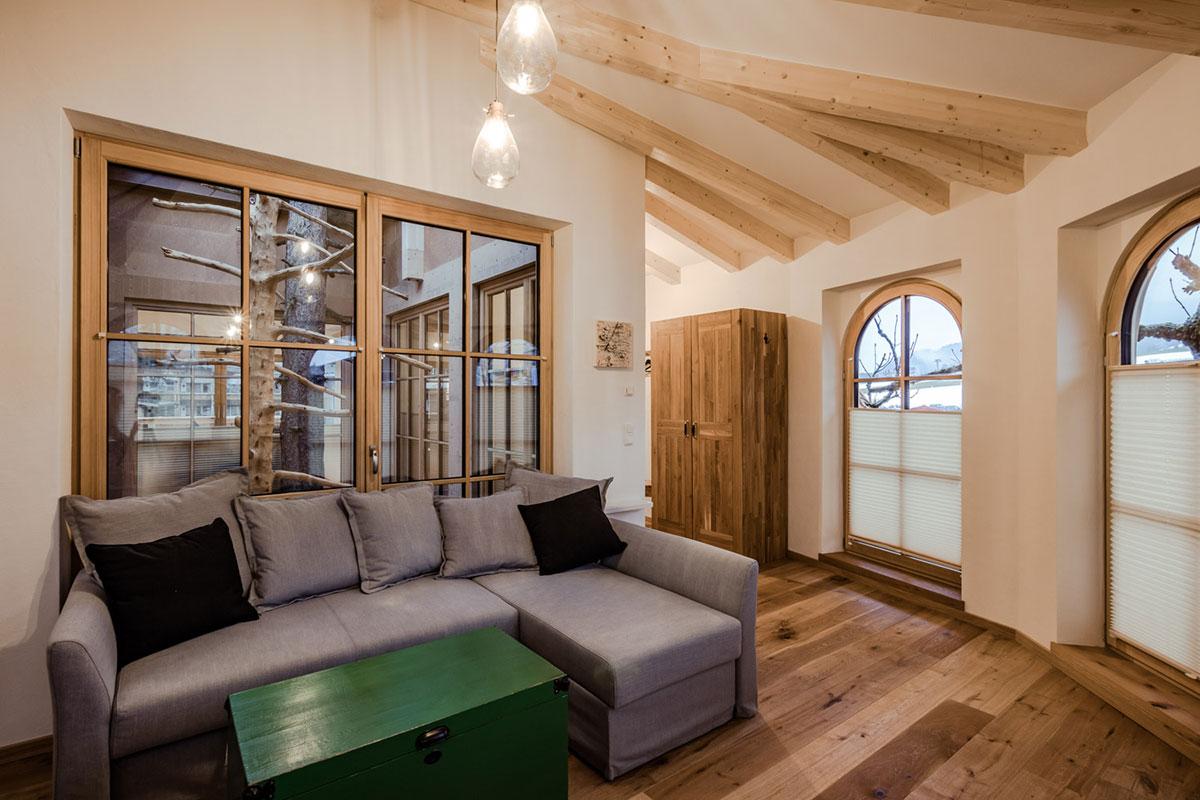 Ein Baumhaus, das für Gäste erschwinglich sein soll – das war Ingrid Hochfilzer besonders wichtig. © Cornelia Hoschek