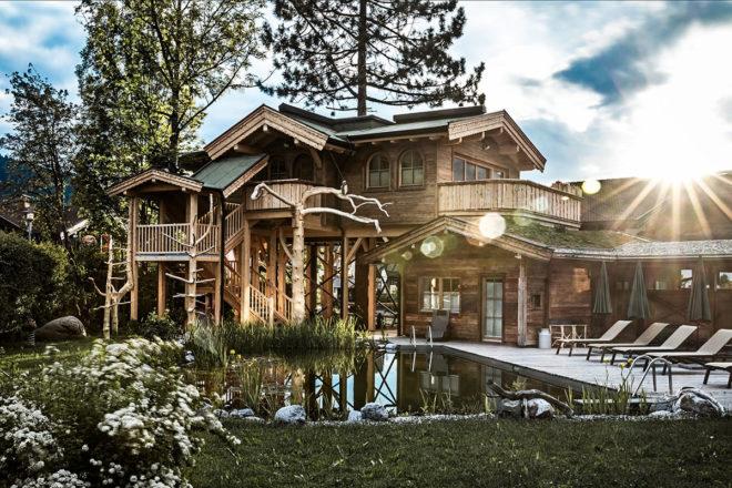 Das Baumhaus im Hotel Hochfilzer: eine einzigartige Verbindung von Natur und Komfort. © Cornelia Hoschek