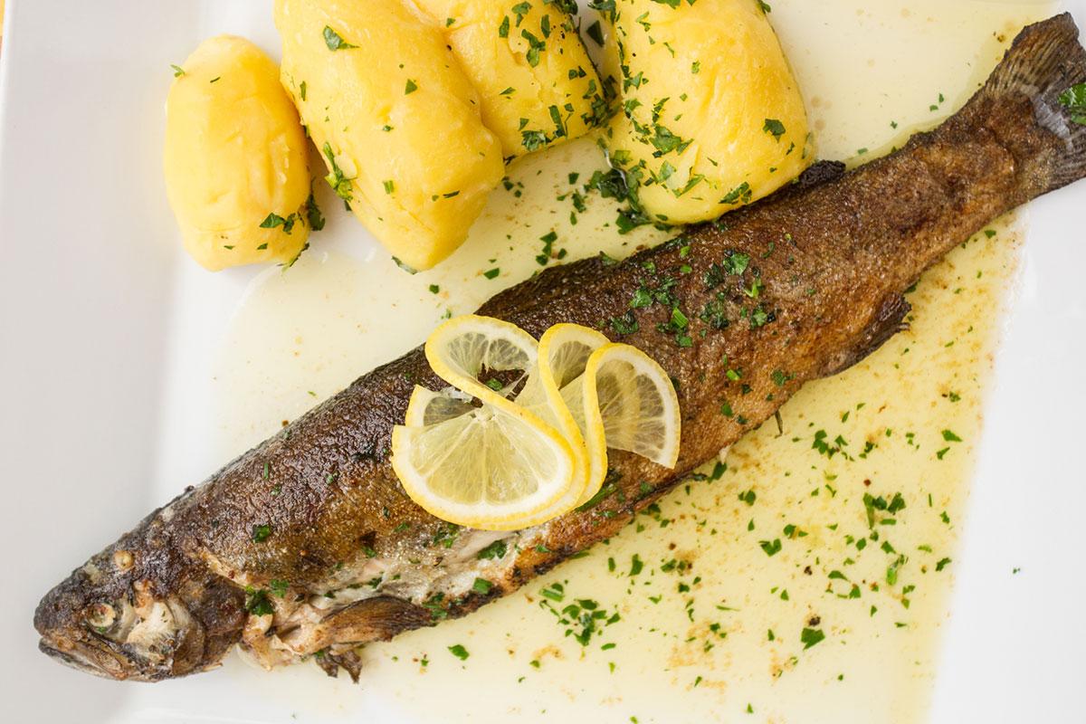 """Das Gasthaus """"Großvenediger"""" ist bekannt für seine Wild- und Fischspezialitäten. © Erwin Haiden"""