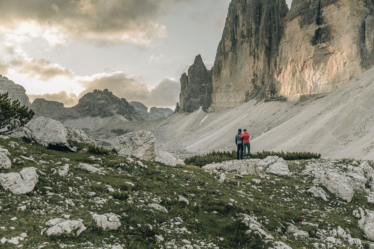 """Die Drei Zinnen gehören zu den vielen Höhepunkten des """"Dolomitenhöhenweg Nr. 4"""", der direkt ab dem Naturhotel Leitlhof in Innichen/Südtirol startet. © Bureau Rabensteiner"""