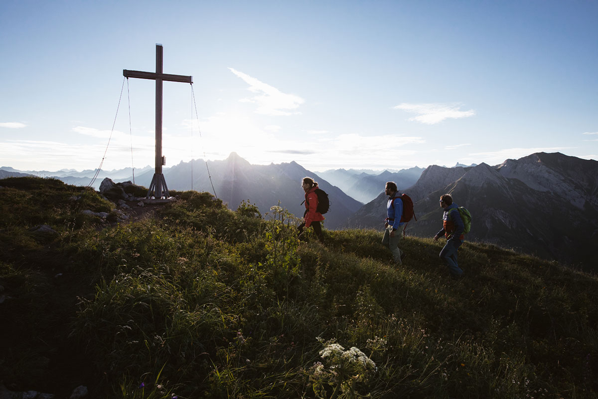 Am Gipfel des Warher Horn (2.256 m): Klare Herbstluft und Fernsicht soweit das Auge reicht. © Warth-Schröcken/Stiphout