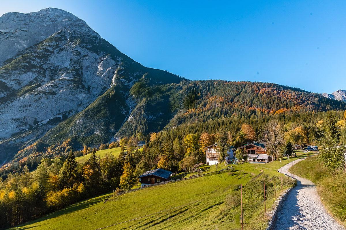 Ropferhof Tirol im Herbst. Foto: © Hafelegucker GmbH - R. Pischl