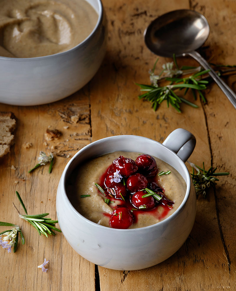 STEINPILZSUPPE MIT ROSMARIN und karamellisierten Cranberries