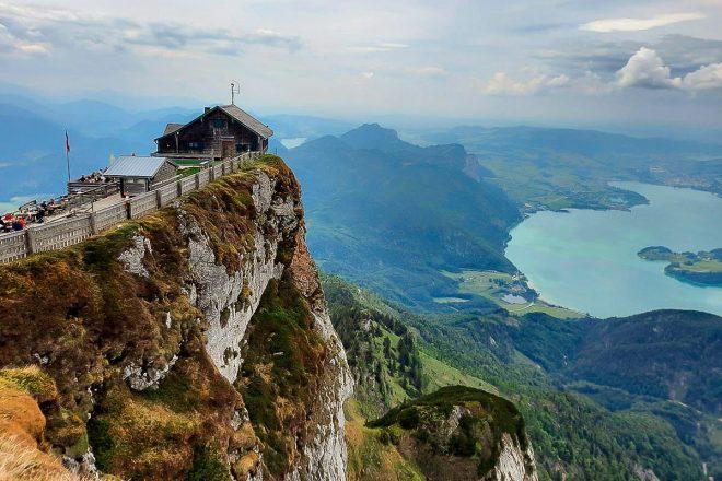 Über den steilen Himmelspfortensteig auf den markanten Schafberg, in der Grenzregion Salzburg
