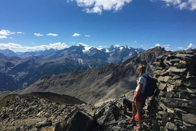 """Vallée de la Clarée – Auf historischen Pfaden vorbei an tiefblauen Bergseen, hinauf auf den fantastischen Gipfel des """"La Gardiole"""", auf 2724 Meter"""