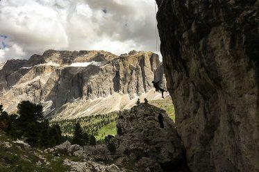 """Klettern am Fuße des Langkofels in der """"Steinernen Stadt"""" – Hoch oben am Sellajoch auf 2180 Metern"""
